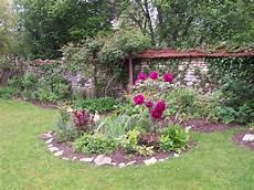 pivoine arbustive en pot jardin de mai petit jardin de femme
