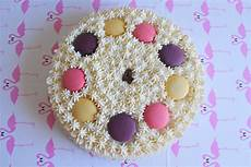 torta con crema pasticcera e panna montata torta con crema pasticcera panna montata e macarons fidelity cucina