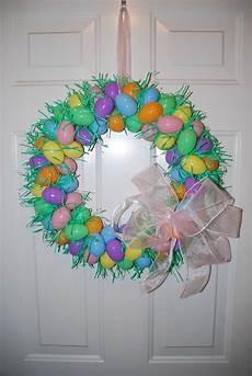 Osterkranz Basteln Anleitung - two plus jilly easter egg wreath