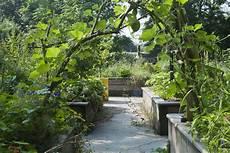 jardins passagers du parc de la villette jardin potager