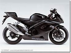 Suzuki Gsx R 1000 En Noir Et Noir Mat