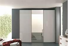 armadio a 3 ante armadio 3 ante scorrevoli specchio centrale materassi