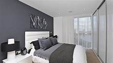 graue wand schlafzimmer guest post shades of grey in the bedroom a