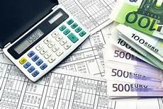 défaut de paiement avec une dette qui augmente la se rapproche du