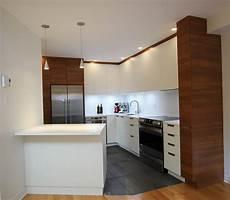cuisine deux couleurs cuisine moderne m 233 lamine deux couleurs cogen 201 b 233 nisterie