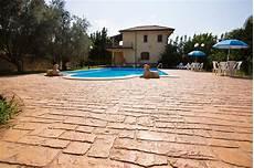 cemento per pavimenti esterni pavimento in cemento stato per esterni idealwork