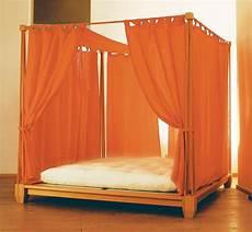 letto con baldacchino letto kendo con baldacchino vivere zen