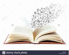 libro lettere d un libro abierto con las letras cayendo en las p 225 ginas