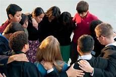 15 Foto Orang Kristen Lagi Berdoa Sugriwa Gambar