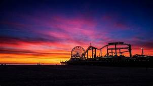Place Of Fun Santa Monica Pier At Sunset City Los