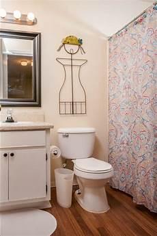 gestaltung badezimmer ideen small bathroom ideas on a budget hgtv