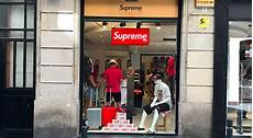 supreme shop supreme spain supreme store exposed straatosphere