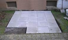 terrassenplatten direkt auf erde verlegen so entsteht ein metallger 228 tehaus schritt f 252 r schritt zum
