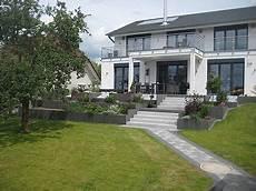 terrasse mit stufen gartengestaltung mit stufen terrasse garten garten
