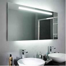 lumière salle de bain tout savoir sur l 233 clairage dans la salle de bains leroy