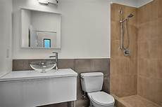 simple bathroom decorating ideas pictures improve the look of your bathroom on a budget
