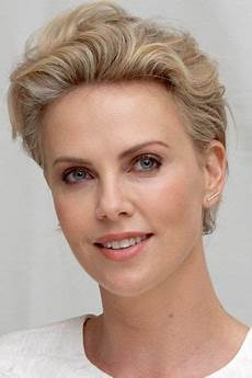 charlize theron actrice productrice mannequin sud