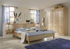 landhaus schlafzimmer komplett massiv schlafzimmer komplett schrank bett nachtkommoden fichte