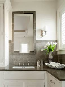 white and gray bathroom design ideas