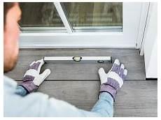 terrassenplatten verlegen so so einfach verlegen sie terrassenplatten auf stelz und