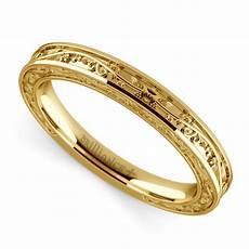 wedding ring in yellow gold