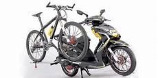 Modifikasi Motor Seperti Sepeda by Modifikasi Motor Murah Yuk Bawa Sepeda Pakai Skutik