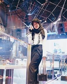 7 Potret Hijaber Cantik Shirin Al Athrus Mirip