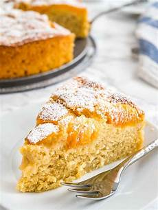 Aprikosenkuchen Mit Frischen Aprikosen - apricot cake recipe with fresh apricots plated cravings