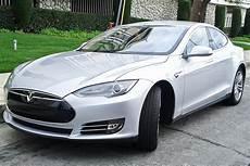 Tesla Model S википедия