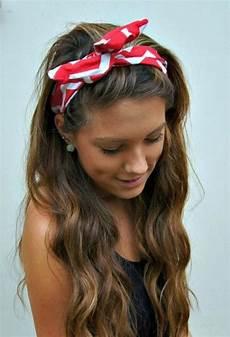 bandana cheveux femme 50 coiffures cheveux longs rockabilly coiffures