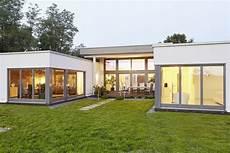 Kleiner Bungalow Fertighaus - der bungalow praktisch und barrierearm in 2020 haus