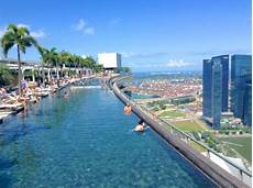 infinity pool from the kudeta bar picture of marina bay