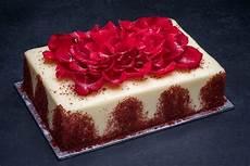 red velvet cake 1 4 sheet porto s bakery