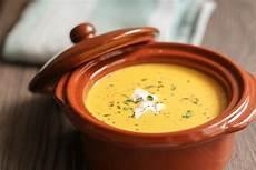 hokkaido kürbis suppe hokkaido k 252 rbis suppe so geht s mit nur 6 zutaten