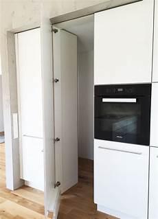 Küche Mit Speisekammer - wei 223 e k 252 che mit integrierter versteckter speisekammer