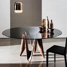 table ronde en verre table ronde design en verre lambda sovet 174 4 pieds