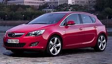 Visual Comparison New Vs Opel Astra Carscoops