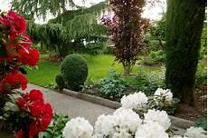 ce dans mon jardin que faire ce mois dans mon jardin annetois rhododendron
