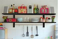 mensole per cucina mensole o pensili per la cucina guida ragionata alla scelta