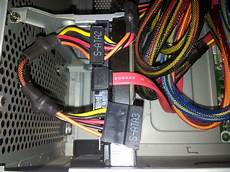 le anschließen 3 kabel 2 festplatten an ein sata kabel computer pc festplatte