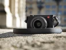 frame sensor compact q2 is a compact with a 47 3 megapixel frame sensor