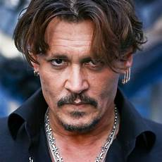 johnny depp johnny depp reportedly spent 7000 on a kardashian kouch