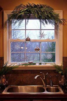 Decorations For Windows With Lights by 30 Insanely Beautiful Last Minute Windows
