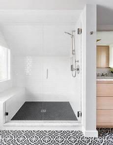 Master Bathroom Artwork by 42 Beautiful Farmhouse Master Bathroom Remodel Ideas