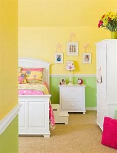 Jugendzimmer Farben Wandgestaltung - gr 252 n und sonnengelbe w 228 nde im kinderzimmer wei 223 e m 246 bel und