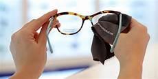 nettoyer verre lunette entretenir et nettoyer ses lunettes grandoptical