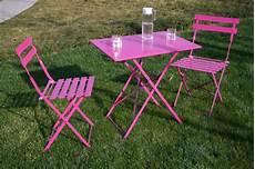 salon de jardin bistrot ensemble bistro de jardin m 233 tal coloris fuchsia 1 table