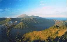 Wisata Gunung Semeru Meletus Tempat Wisata Foto Gambar
