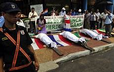 paraguay government agrees to talk with protesters nailed to crosses la times