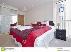 guardaroba da letto doppia da letto moderna con il guardaroba immagine